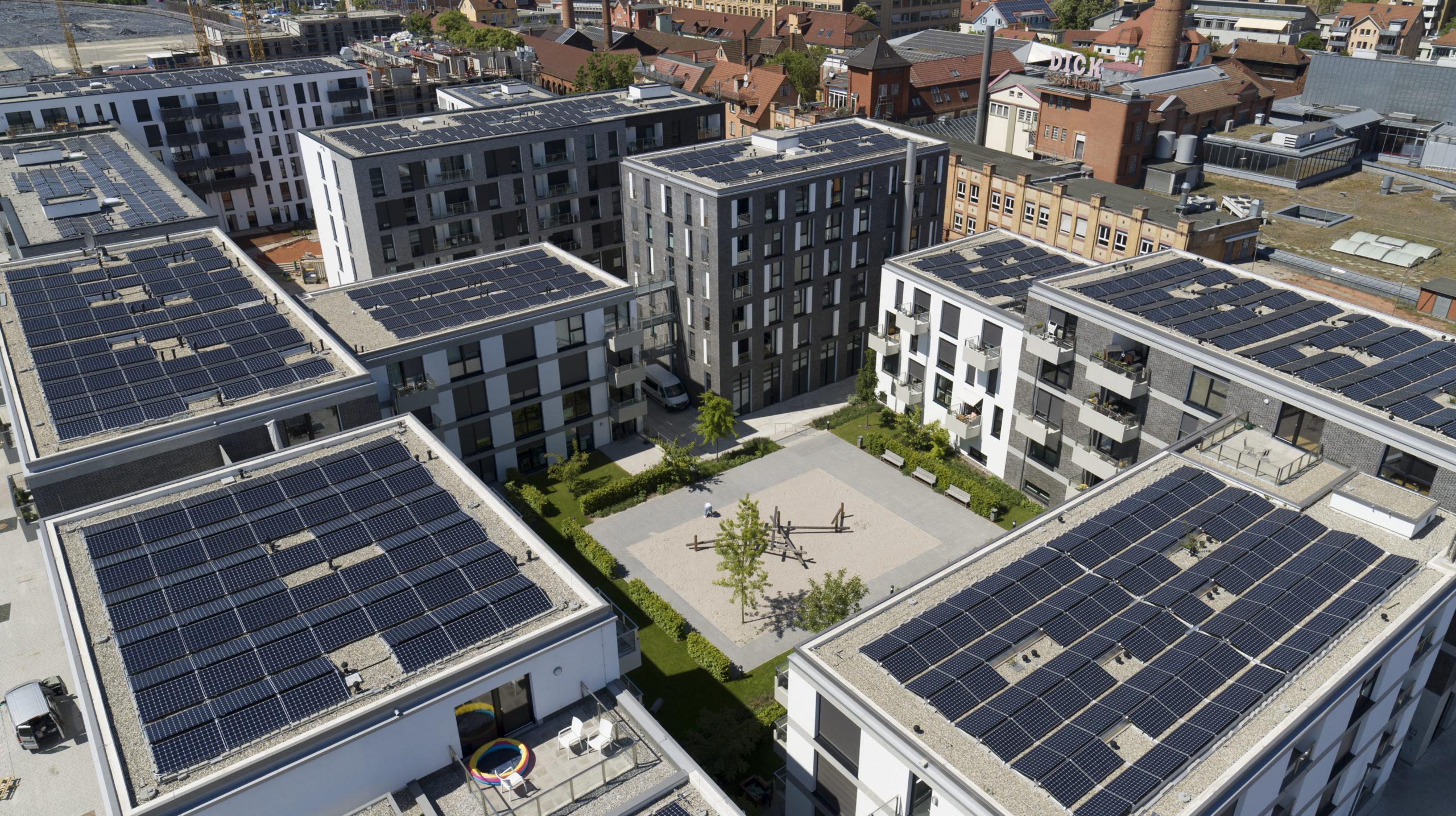 Solarisierung des Block B des Klimaquartiers, Bildquelle: Blumberg GmbH / Maximilian Kamps, Stuttgart